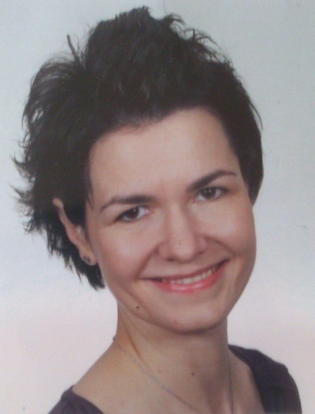 Maria Wimmer Passfoto_kopie.jpg
